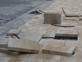 Pavimentació de la riera Sant Jordi de Montgat, al seu tram final, fa uns dies.  J.G.N