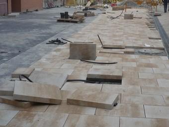 Imatge de les obres d'urbanització al tram final de la riera, fa unes setmanes.  J.G.NAVARRO