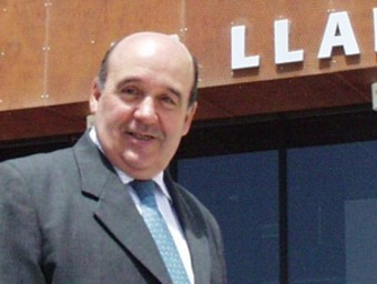 Santiago Campos, durant una visita de Jordi Pujol a Móra d'Ebre. EL PUNT