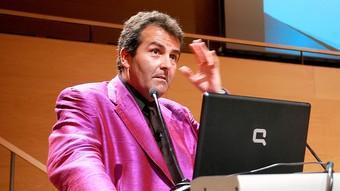 L'economista Xavier Sala Martín, ahir a l'Auditori de Girona.  MANEL LLADÓ