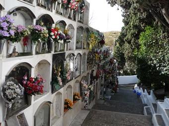 Una imatge del cementiri municipal de Montgat, el dia després de Tots Sants.  J.G.N