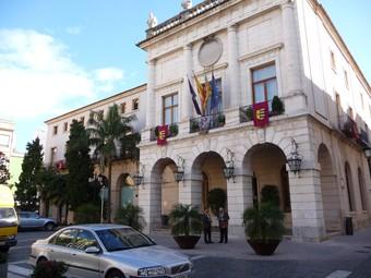 Façana principal de l'Ajuntament de Gandia. /  ESCORCOLL