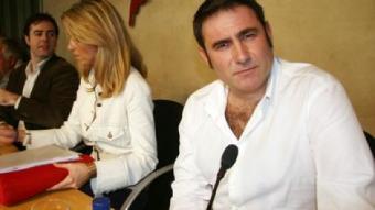 López va presentar ahir el manifest de les consultes.  A. PUIG