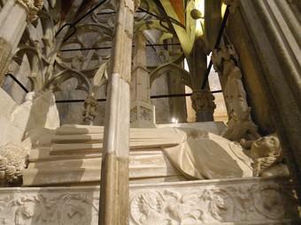Una de les tombes de Santes Creus que serà restaurada i estudiada.  JUDIT FERNÁNDEZ