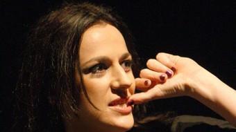 Laia Martí, en un moment de la peça. /  LLUÍS SERRAT