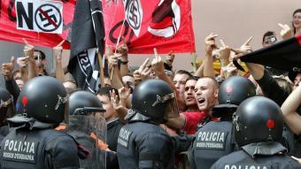 Protesta falangista a Arenys de Munt, el 13 de setembre passat.  EFE