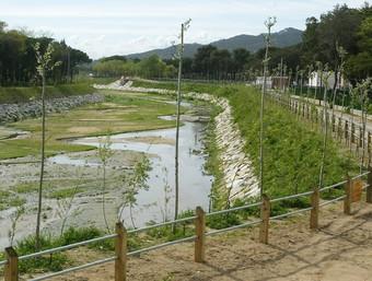 Un dels trams que ha estat canalitzats del riu Ridaura al seu pas per Castell-Platja d'Aro. JOAN SABATER