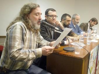 Oriol Pujol, al fons, ahir en l'acte central de Constantí.  J.F