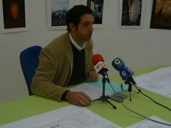 Waldo Vila presenta elprojecte de nou trinquet per a Oliva. /  CEDIDA