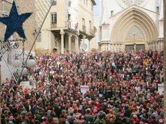 L'acte a les escales de la Catedral de Tarragona. MARTA MARTÍNEZ/ JUDIT FERNÀNDEZ