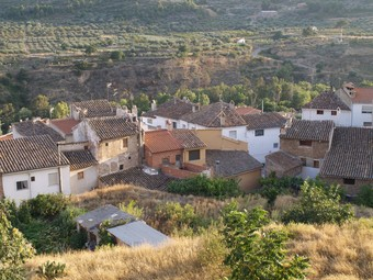 Raval de la localitat de Xelva a la comarca dels Serrans. / ESCORCOLL.