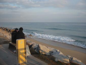 La platja de Vilassar de Mar, o el que queda d'ella, ahir a la tarda. E.FERRAN