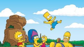 Lisa, Marge, Maggie, Bart i  Homer. www.thesimpsons.com Matt Groening