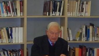 Edmon Gimeno, en una xerrada que va fer amb alumnes de Santa Coloma de Gramenet ISABEL MARTÍNEZ
