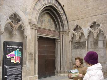 L'entrada de l'església, ahir, tancada TURA SOLER