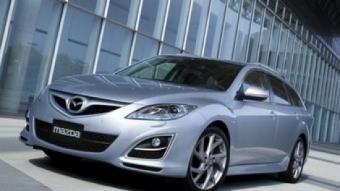 Vist des de fora, el nou Mazda 6 presenta modificacions en la part frontal i noves òptiques posteriors.
