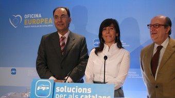 L'eurodiputat del PP, Alejo Vidal-Quadras, i la presidenta del partit, Alícia Sánchez-Camacho ARXIU
