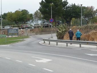 El nou carril permetrà millorar l'accés dels vianants al Sant Camil i a Puigmoltó.  M.L