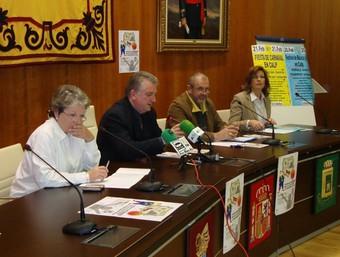 L'Alcalde de Calp presenta, amb els organitzadors, el festival internacional. /  CEDIDA