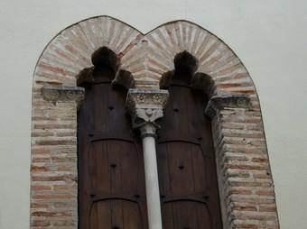 Element arquitectònic del que fos el Palau dels Centelles. /  ARXIU