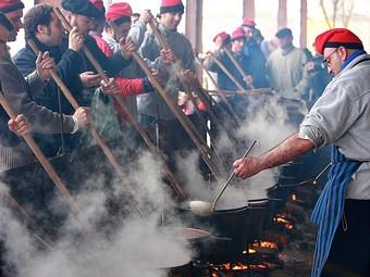 La preparació de la sopa a Verges. manel lladó