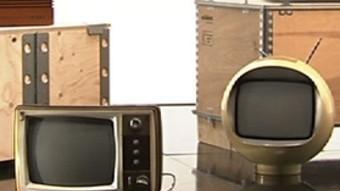Caràtula de la sèrie documental «Disculpin les molèsties», de TV3, que vol fer una mirada autocrítica al paper que la televisió ha tingut en la societat. TCV