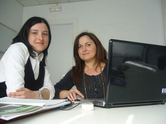 Dolores Villarreal, a la dreta i Eva Mur, han guanyat un dels premis Sagessa pel treball.