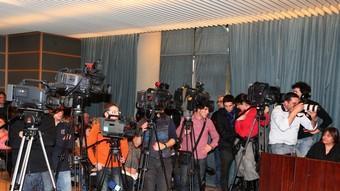 Mitjans de comunicació locals i estatals en el ple de Salt del 25 de febrer del 2010. Lluís Serrat