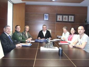 L'alcalde reunit amb representants d'associacions de Calp. ARXIU