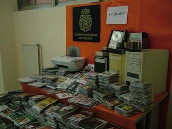 Part del material recuperat per la Policía Nacional.