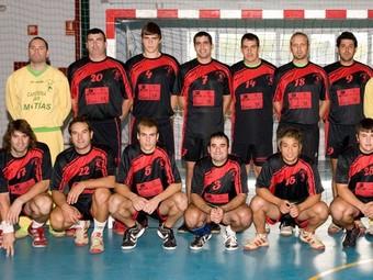 Plantilla del club d'handbol d'Oliva. /  CEDIDA