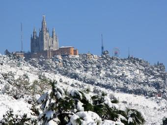 El Tibidabo, dimarts, vist des del mirador de Sarrià.  ACN