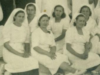 Metges i infermeres del Socorro Rojo a Xixona entre els anys 1937 i 1938 al col·legi Eloi Coloma.