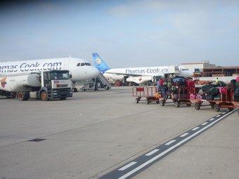 Thomas Cook és una de les principals aerolínies que operen xàrters en temporada alta a l'aeroport de Reus. Ò.P.J