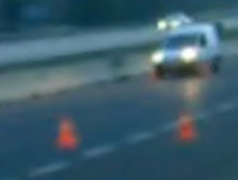 El vehicle aturat en el control policial.
