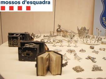Els Mossos han aconseguit recuperar gran part de les peces que van ser sostretes.  CME