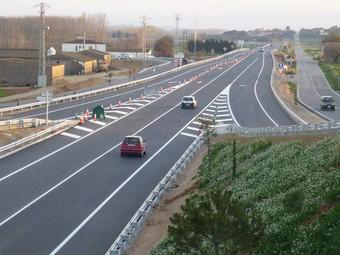 Una imatge de la carretera C-31 de dilluns a la tarda, quan els cotxes ja hi podien circular.  M.V