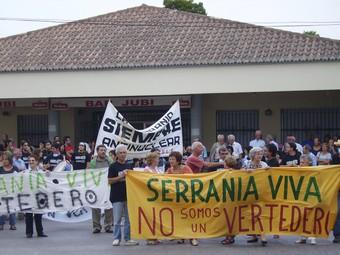 Acció de protesta de l'any 2006 contra els abocadors incontrolats. /  ESCORCOLL
