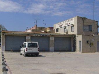 La part esquerra de l'edifici és l'afectada per les obres del passeig fluvial.  L.M