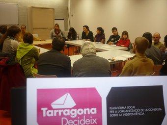Una imatge de l'assemblea Tarragona Decideix d'ahir al vespre. S.CASADO