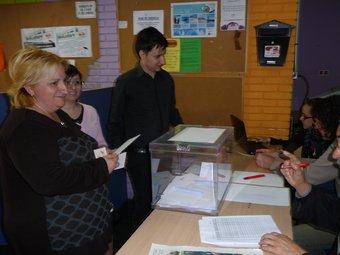 El Xavier Recasens va votar ahir, per primera vegada. n.r.