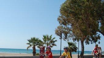 Benicàssim ofereix una ruta cicloturística de 15 quilòmetres que properament enllaçarà amb la Via Verda de la Mar.  AJ. BENICÀSSIM