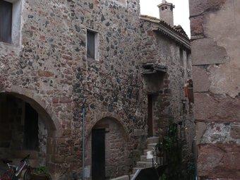Una vista del nucli antic de Santa Pau. /  A. VILAR