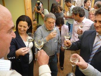 Rus i Maritina Hernández van donar compte dels millors vins de la comarca. / ESCORCOLL.
