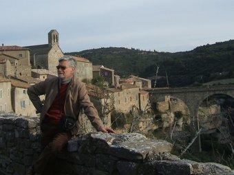 Contrada de Minerva, a l'Occitània francesa. L'Autor de l'article hi figura també. /  M.A.C