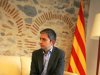 Jordi Martinoy en el seu nou despatx a l'edifici de la Generalitat de Girona.  MANEL LLADÓ