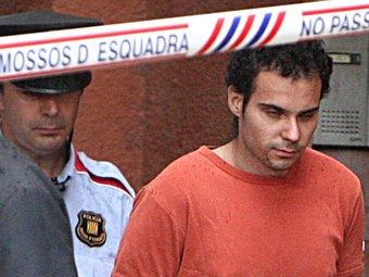 Juan Luís Terrones Romero durant la reconstrucció dels fets, conduït pels Mossos LLUÍS SERRAT