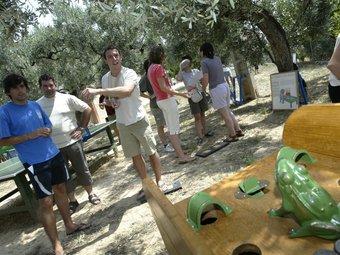 A Horta de Sant Joan es fan cursos i tallers relacionats amb els jocs tradicionals.  A.SEBASTIÀ