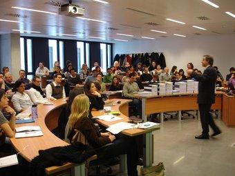 Classe a l'escola de negocis ESADE  ARXIU