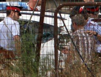 Un moment de l'operació policial que van fer els Mossos d'Esquadra a l'empresa Doromeu 929 de Siurana d'Empordà. CLICK ART FOTO